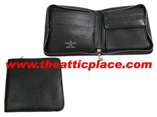 Louis Vuitton M30672 Grey / Black Taiga Zipped Wallet-0