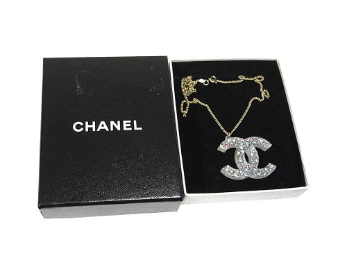 ALMOST NEW ! Chanel 04A vinyl colored Rhinestone Double C Large Pendant with Gold chain-0