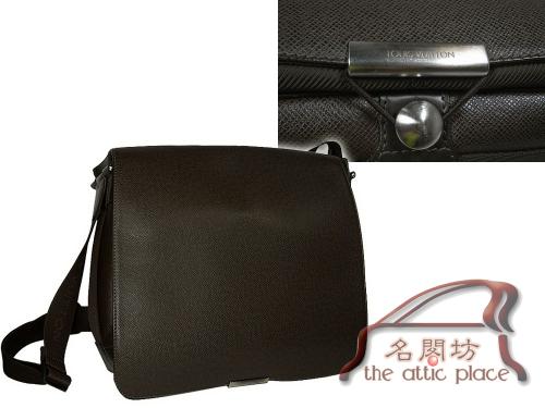 Louis Vuitton M30148 Grizzli Brown Taiga Leather Viktor Messenger bag-0