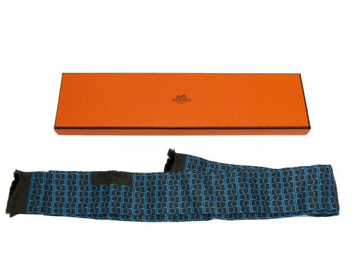 Hermes Silk Men's Scarf Tie in Modern Chain Design in Blue Color-0