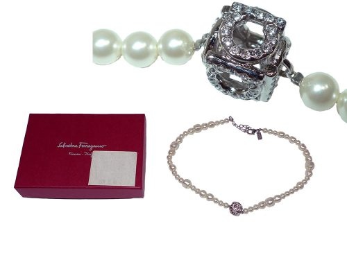 Ferragamo Short Pearl Necklace (40~45cm)-0