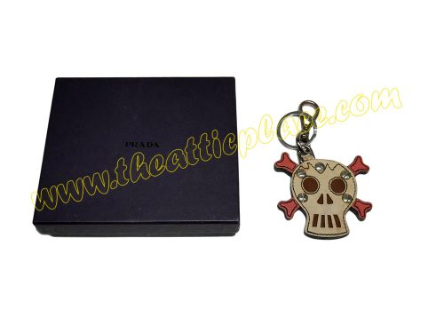 Prada Skull Pink/ Beige Saffiano Leather Key Ring/ Holder -0